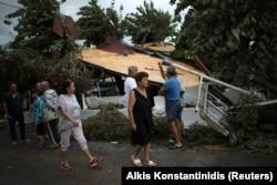 Oluja je rušila i krovove u selu Nea Plagia