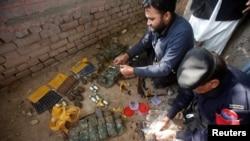 پاکستاني پولیس هغه وسلې ارزوي چې د ترهگرو نه پاته دي