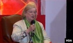 Ketua Komisi Hak yang Tidak Bisa Dicabut (CUR) Kemenlu Amerika, Mary Ann Glendon saat menjadi pembicara dalam seminar internasional di Jakarta, Rabu (28/10/2020). Foto: Sasmito