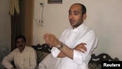 前巴基斯坦总理吉拉尼的儿子阿里·海德尔·吉拉尼2013年被绑架前参加竞选