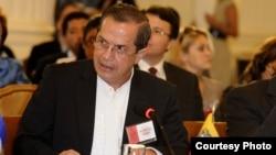El canciller de Ecuador, Ricardo Patiño, confirmó la reunión de la comisión especial de apoyo al diálogo político en Venezuela la próxima semana.