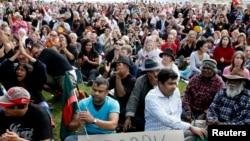 Người biểu tình tập trung trước Quốc hội Australia.