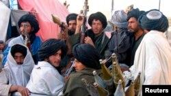 دزابل ارغنداب ولسوالۍ یوه ناامنه ولسوالۍ ده چې د افغان وسله والو طالبانو تر څنگ په کې بهرني وسله وال هم پراخ حضور لري.