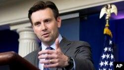 Juru bicara Gedung Putih, Josh Earnest memperingatkan Korea Utara untuk menahan diri dari tindakan provokatif (foto: dok).