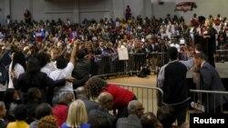 """Demokratski predsednički kandidat Hilari Klinton govori na skupu """"Afroamerikanci za Hilari."""""""