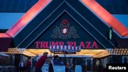 Hotel dan Kasino Trump Plaza milik pengusaha Donald Trump harus ditutup hari Selasa (16/9).