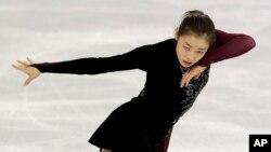 러시아 소치 동계올림픽에 출전한 한국 김연아 선수가 20일 여자 피겨 프리스케이팅 경기를 앞두고 드레스 리허설을 하고 있다.