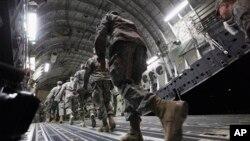 El nuevo contingente de 450 soldados se sumaría a los 3.000 asesores que Obama autorizó el año pasado.