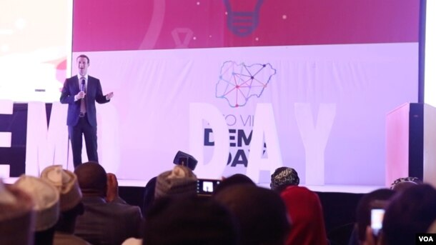 Facebook founder Mark Zuckerberg speaks at the presidential state house banquet hall during a program where youth startup owners presented their business ideas in Abuja, Nigeria, Sept. 3, 2016. (C. Oduah/VOA)