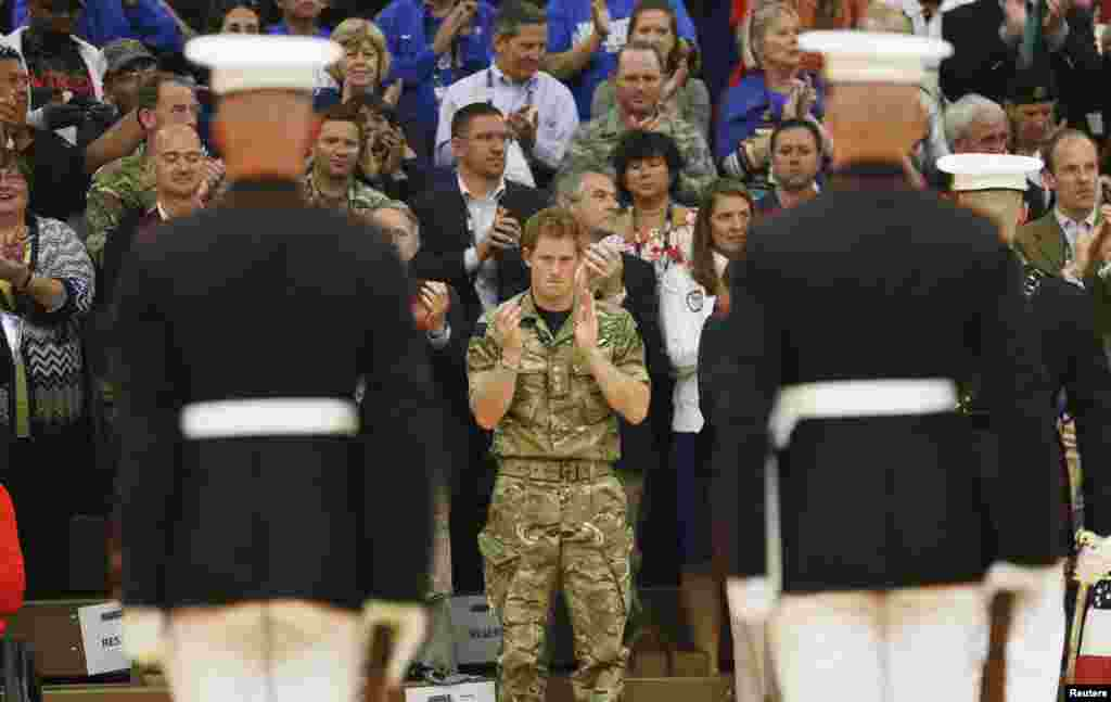 برطانیہ کے شہزادہ ہیری ان دنوں امریکہ کے دورے پر ہیں۔ اس دوران انہوں نے کولوراڈو میں جنگجوآنہ کھیل میں شرکت کی۔
