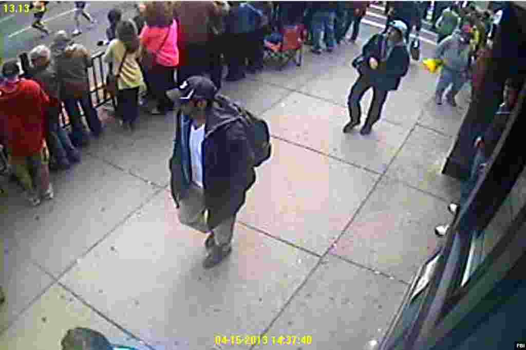 Pictures of two suspects in Boston Marathon bombings (FBI photo)