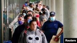 ARHIVA - Redovi u Kentakiju ispred biroa za zapošljavanje (Foto: Reuters)