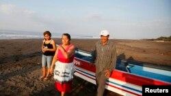 Keluarga nelayan yang terdampar Jose Salvador Alvarenga