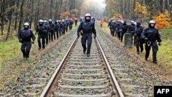 Mbetjet bërthamore transferohen, megjithë protestat në Gjermani