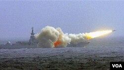 Tiongkok melangsungkan latihan militer di Laut Tiongkok Selatan (foto: dok).