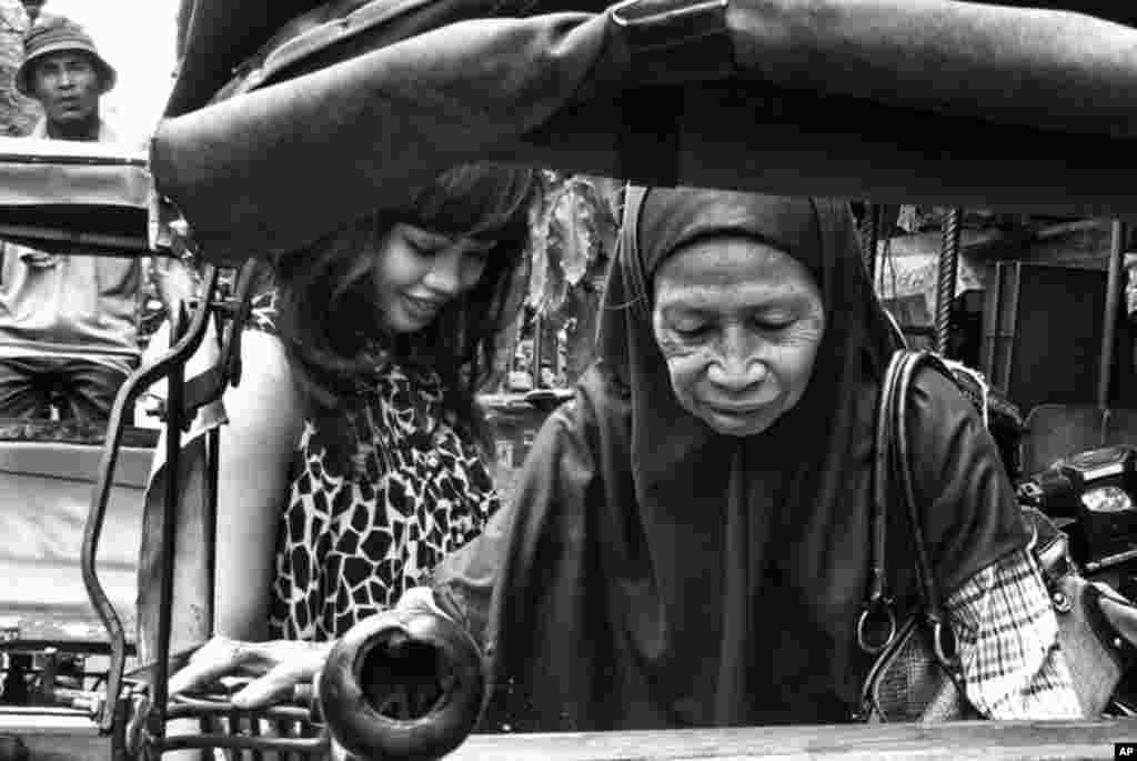 Giải Nhì (đồng hạng) - Xe kéo trên đường Malioboro, thành phố Yogyakarta, Indonesia (Ảnh: Fehmiu Roffytavare)