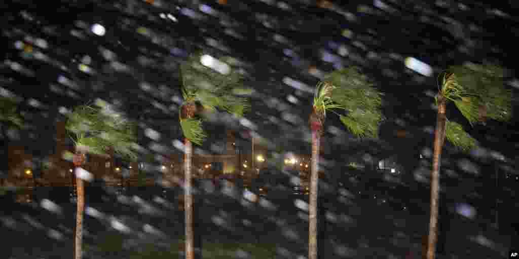 توفان و تندباد بزرگ دریایی «هاروی» در ایالت تگزاس