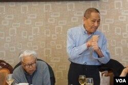 鲍彤与原中央党校理论研究室副主任杜光 (高瑜提供)