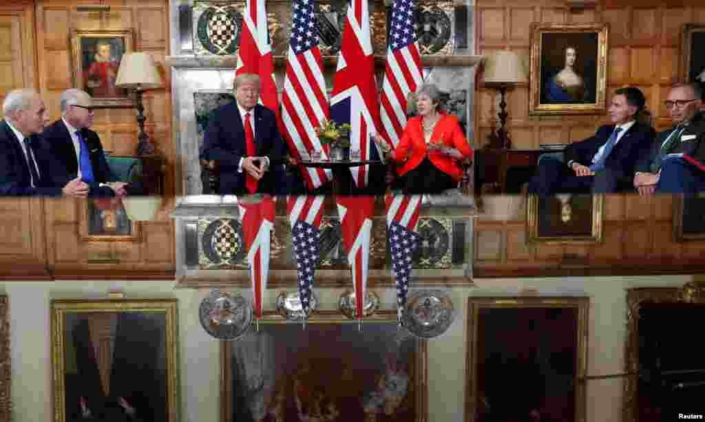 دیدار رئیس جمهوری آمریکا با نخست وزیر بریتانیا در چکرز بریتانیا