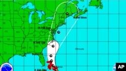 Ураганот се движи кон источното крајбрежје на САД
