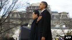 Tổng thống Hoa Kỳ Barack Obama và Chủ tịch Trung Quốc Hồ Cẩm Đào trong buổi lễ đón tiếp chính thức tại Tòa Bạch Ốc, ngày 19/1/2011