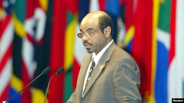 Ethiopia Prime Minister Meles Zenawi speaks at the 4th plenary session on African development at a Tokyo hotel, September 30, 2003.