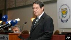 Presiden Siprus Nicos Anastasiades memberikan penjelasan soal krisis finansial (29/3). Masalah finansial Siprus ternyata jauh lebih parah dari perkiraan.