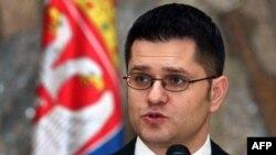 Srpski šef diplomatije kaže da Ministarstvo spoljnih poslova intezivno radi na dobijanju izlaznih viza za srpske građane koji žive u Libiji, 21. februar 2011.