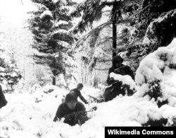 Lính Hoa Kỳ thuộc sư đoàn 75 tại trận tuyến khu Ardennes.