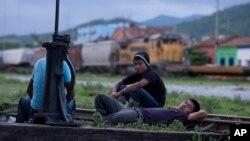 La Iglesia Católica de EE.UU., México, Honduras, Guatemala y El Salvador pidió a las autoridades una respuesta integral a la crisis de niños inmigrantes.