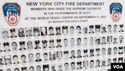 En los Departamento de Bomberos de toda Nueva York, se pueden ver imágenes que recuerdan a los colegas que perdieron la vida el 11-S de 2001.
