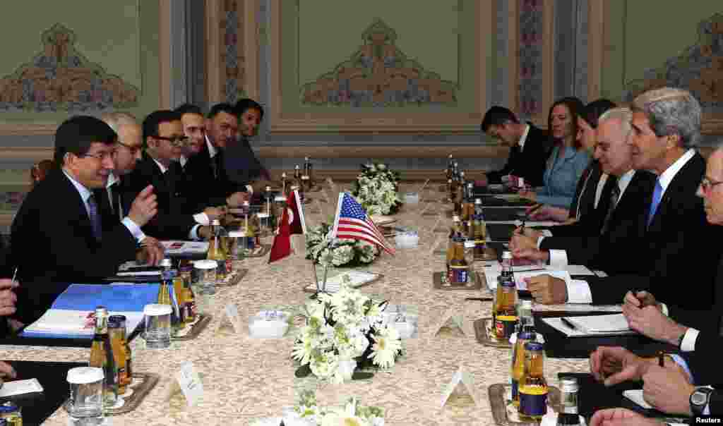U.S. Secretary of State John Kerry meets with Turkey's Foreign Minister Ahmet Davutoglu at Ciragan Palace in Istanbul, April 7, 2013.