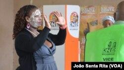 Eleitora moçambicana. Foto de arquivo.