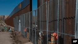 Demócratas advierten que incluir financiamiento para el muro en el presupuesto federal podría llevar a un cierre de gobierno.