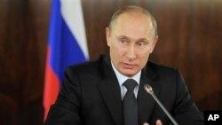 ນາຍົກລັດຖະມົນຕີຣັດເຊຍ ທ່ານ Vladimir Putin ກ່າວຕໍ່ກອງປະຊຸມ ແນວໂຮມມະຫາຊົນທີ່ກຸງມົສກູ (8 ທັນວາ 2011)