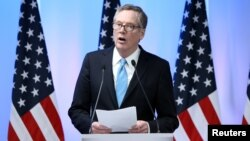 FILE - U.S. Trade Representative Robert Lighthizer addresses the media in Mexico City, Sept. 5, 2017.