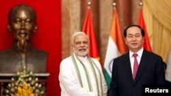 Thủ Tướng Ấn Độ Narendra Modi và Chủ tịch Việt Nam Trần Đại Quang tại Phủ Chủ tịch ở Hà Nội, ngày 3/9/2016.