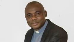 """Angola Fala Só - Pastor Ovídio Chissengue: """"A Igreja não é dona nem escrava do Estado """""""