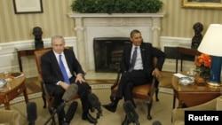 Shugaban Amurka Barack Obama da PM Isra'ila Benjamin Netanyahu a ofishin shugaban Amurka, ranar litinin.