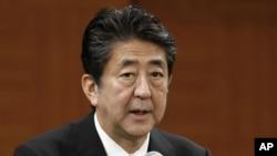 PM Jepang Shinzo Abe dalam konferensi pers di Hiroshima, Jepang, 6 Agustus 2019.