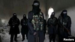 عکس آرشیوی از تعدادی از پیکارجویان زن در سوریه