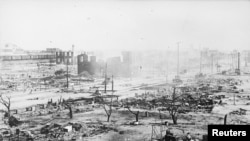 سو برس قبل ٹلسا میںایک سفید فام ہجوم نے سیاہ فام افراد پر حملہ کیا تھا۔ اس واقعے میں 300 افراد ہلاکجب کہ 10 ہزار بے گھر ہوئے تھے۔