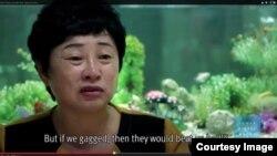 국제인권단체 휴먼라이츠워치가 최근 공개한 동영상에서 북한의 18호 수용소에 28년간 갇혀있었던 김혜숙 씨가 증언하고 있다. 휴먼라이츠워치 웹사이트에 게재된 동영상 장면.