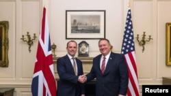 美國國務卿蓬佩奧2020年1月29日在倫敦會見英國外交大臣拉布(路透社)