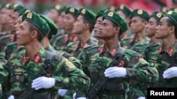 Lực lượng Bộ đội Biên phòng Việt Nam diễn tập diễu hành tại TP HCM, ngày 26/4/2015.