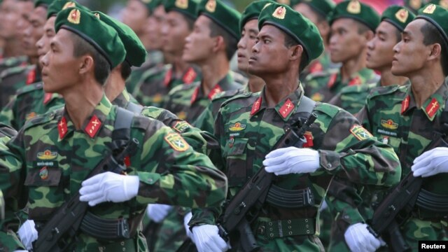 Chi tiêu dành cho quốc phòng của Việt Nam đã tăng 128% kể từ năm 2005, và chỉ riêng năm ngoái mức chi cho quân sự tăng 9,6% lên 4,3 tỷ đôla.
