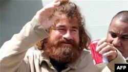 José Salvador Alvarenga apareció milagrosamente en las Islas Marshall luego de pasar 13 meses en el mar.