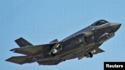 Un avion F 35
