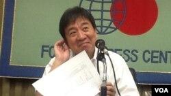 日本朝日新闻特别编辑委员 星浩 分析选举后对华外交(美国之音小玉提供)