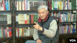 解放軍總政治部退休軍官劉家駒接受美國之音北京分社採訪談中國軍隊腐敗(美國之音東方拍攝)